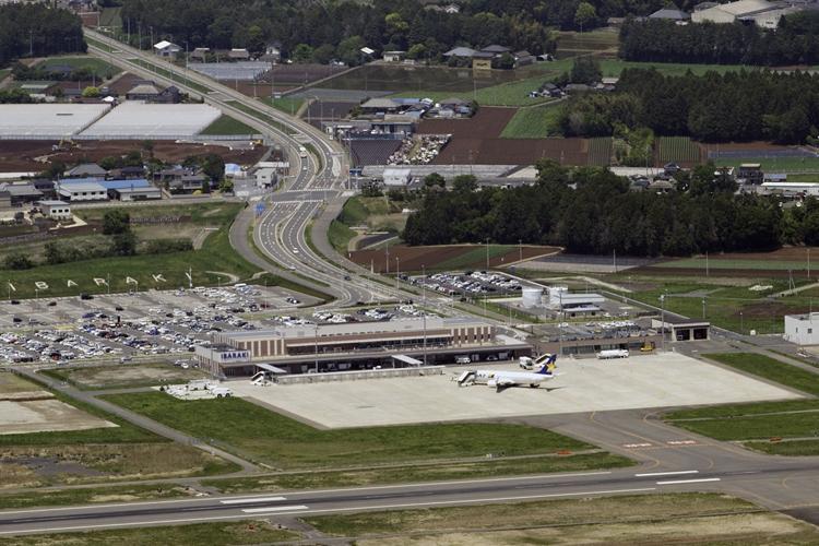 開港から10年を迎えた茨城空港(時事通信フォト)