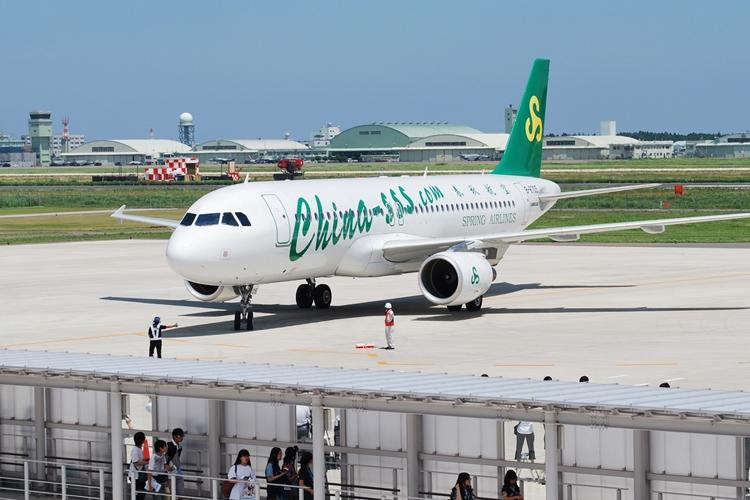 中国最大のLCC「春秋航空」の路線も(時事通信フォト)