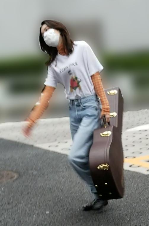 ギターの練習にも励む永野芽郁