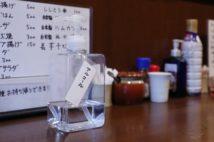 飲食店も消毒液常備で新しい生活様式で営業中(イメージ、時事通信フォト)