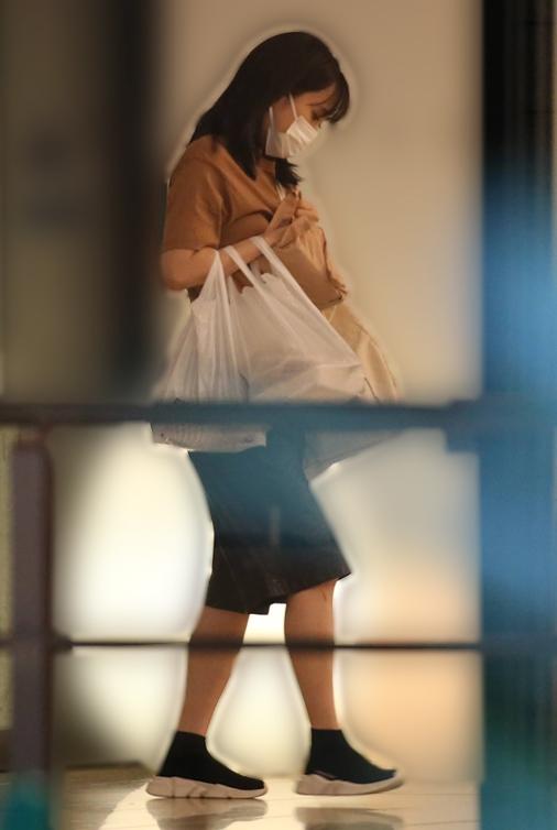 袋いっぱいに買い物