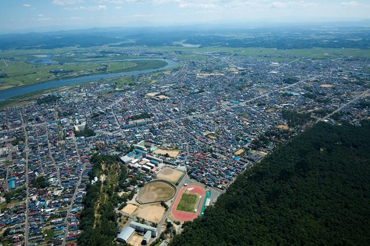 バスケの名門・能代工業高校がある秋田県能代市街地(時事通信フォト)