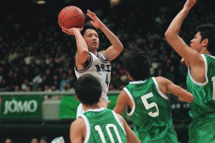 能代工時代の田臥勇太(1998年/時事通信フォト)