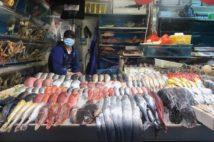 コロナウイルスが検出された北京の新発地市場(共同通信社)