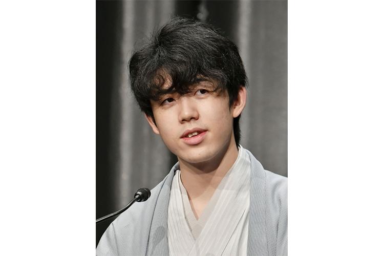 藤井聡太七段 初タイトル獲得後の難敵は「上座」問題
