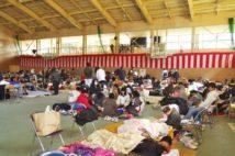 東日本大震災の被災地では、インフルエンザや、食中毒などの消化器系の感染症が蔓延。密を避ける避難が課題となっている(撮影/小倉雄一郎)