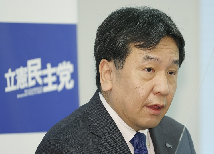 7月12日、立憲民主党の枝野幸男代表は「さらに感染が拡大すれば政治の不作為による失敗」と東京を中心に緊急事態宣言を出すべきと述べた(時事通信フォト)