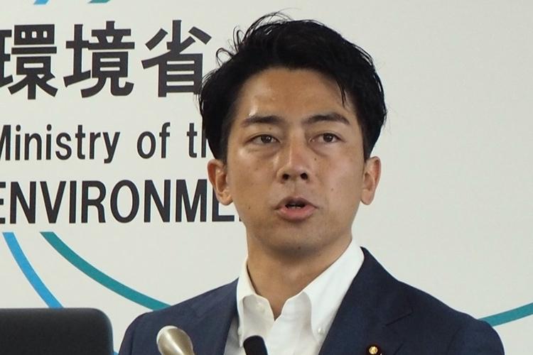 「ワーケーション推進で1000人以上の雇用が維持できる」と語った小泉進次郎環境大臣(時事通信フォト)