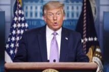 トランプ氏は即座に会見してさっそくハリス批判を展開した(EPA=時事)