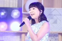 術後初の歌唱(日本テレビ提供)