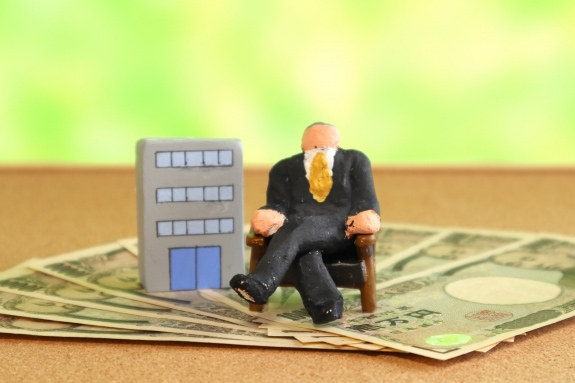 上場企業の役員報酬が巨額化している