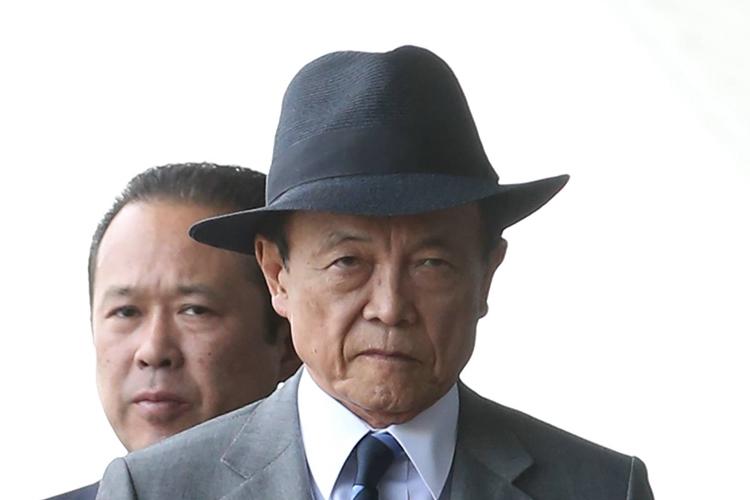 早期解散迫る麻生氏 「引退求められる前にもう1期」が本音