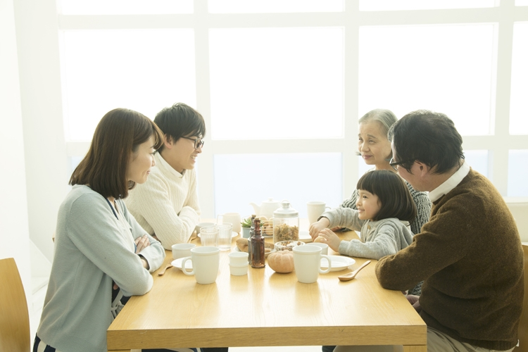 家族の「コロナ後うつ」にどう向き合うか(イメージ)