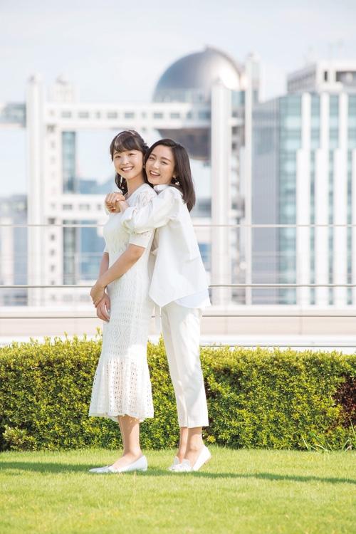 2020年入社の渡邊渚アナ(左)と佐久間みなみアナ