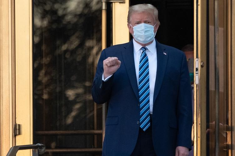 自らもコロナに感染した米トランプ大統領(AFP=時事通信フォト)