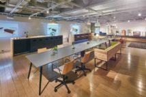 オフィスのカジュアル化に伴い、机のデザインもトレンドが変化