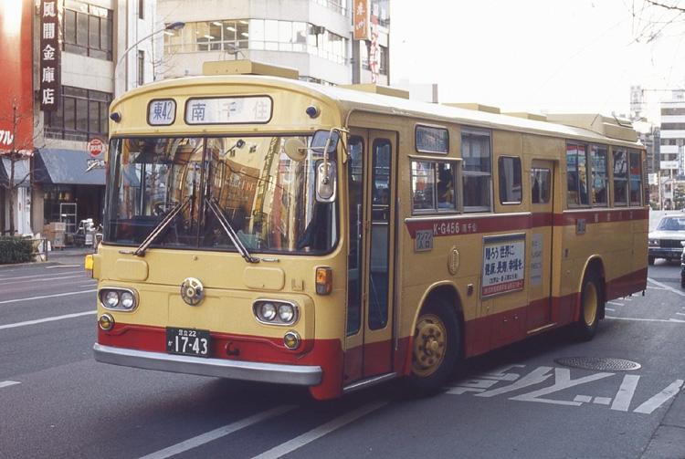 1981年に塗装した都バス