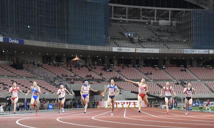 選手が集中できない(写真は10月2日の陸上日本選手権、共同通信社)