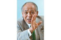 同世代である衆議院議員・鈴木宗男氏の視点は?(撮影/太田真三)