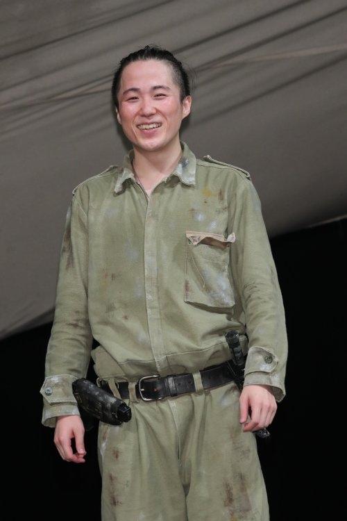兵士を演じた大鶴佐助。共演の宮沢とは気の知れた仲だという