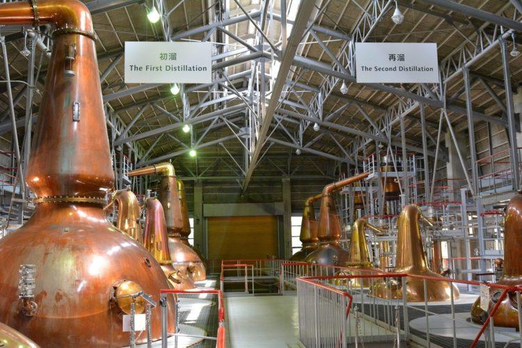 常に人気の日本ウイスキー(写真はサントリー白州蒸留所。時事通信フォト)