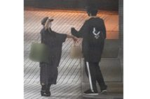 """土屋太鳳は熱い抱擁、桑子アナお泊り…コロナ禍の""""密着""""姿"""