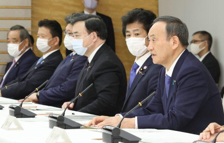 菅義偉首相とブレーンたちとの関係性とは(時事通信フォト)