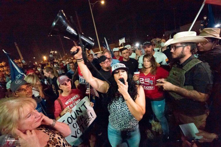 トランプ支持者たちの怒りは収まらない(AFP=時事)