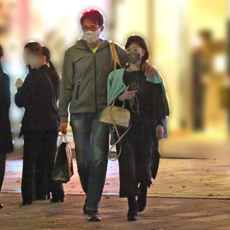 妻と歩く松岡修造