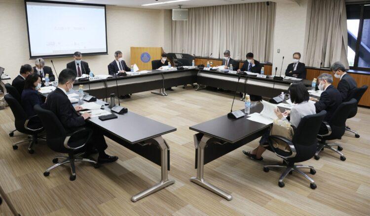 問題発覚後に行われた学術会議の幹事会(時事通信フォト)
