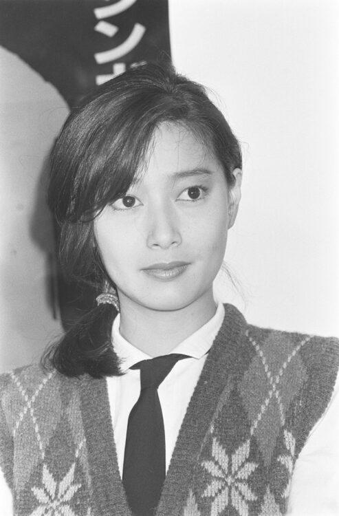 夏目雅子は新婚生活に鎌倉の地を選んだ(時事通信フォト)