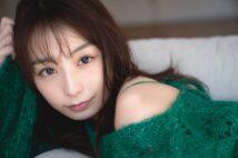 """宇垣美里が""""美の秘密""""と、最近挑戦したアニメ声優について語る"""