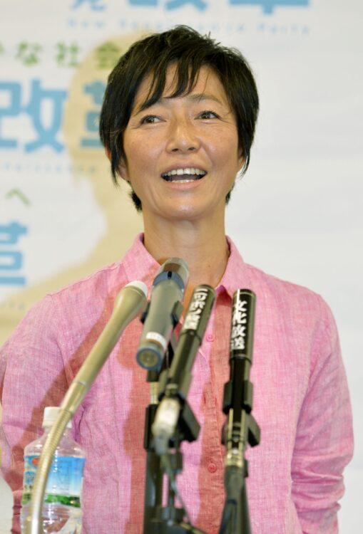 元女優・高樹沙耶氏(写真/共同通信社)
