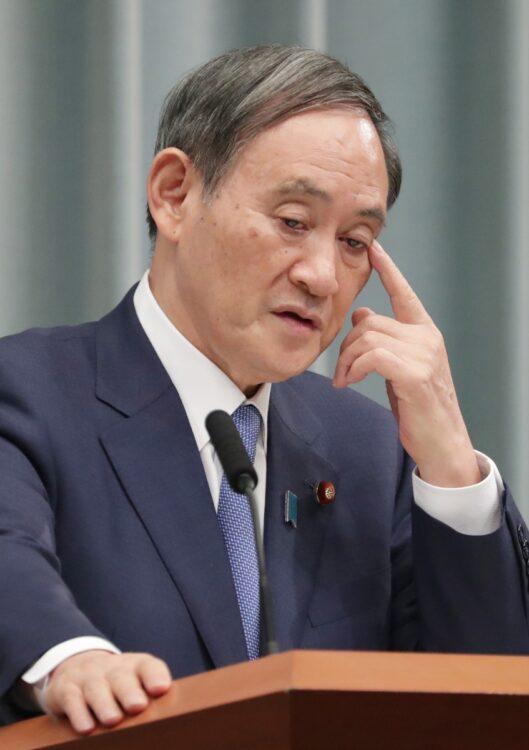 菅義偉首相の疑惑に対する新たな証言を入手(時事通信フォト)
