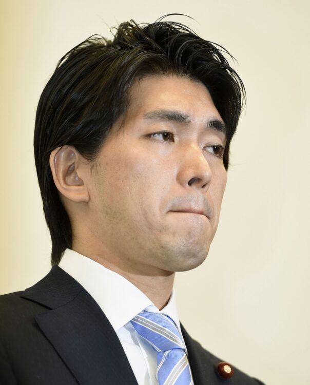 2度目の不倫を報じられた宮崎謙介氏も弁護士を立てている理由とは(写真/共同通信社)
