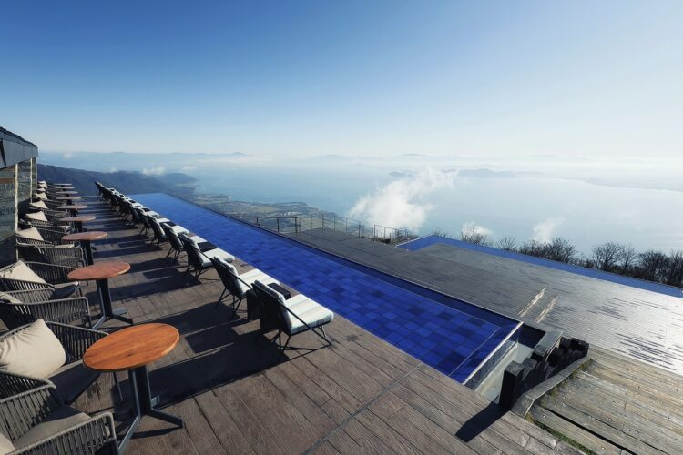 /琵琶湖を望む「びわ湖テラス」