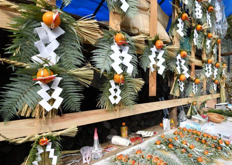 正月飾りは「地域がヤクザを養う」時代には特別な意味があった(pixta)