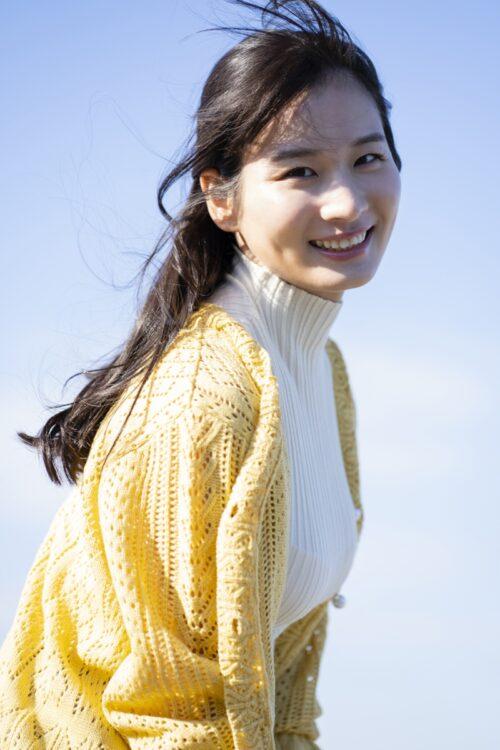 身長170cmの清瀬汐希が撮り下ろしグラビアに挑戦
