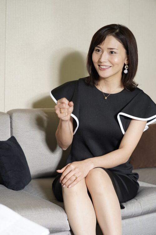 夫の宮崎謙介(39)が2度目の不倫騒動を起こした金子恵美(写真/共同通信社)
