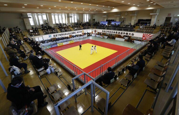 無観客で行われた全日本柔道選手権。2020年12月(時事通信フォト)
