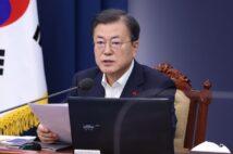 韓国政府は日本から受け取った賠償金を元慰安婦にも元徴用工にも渡さなかった(EPA=時事)