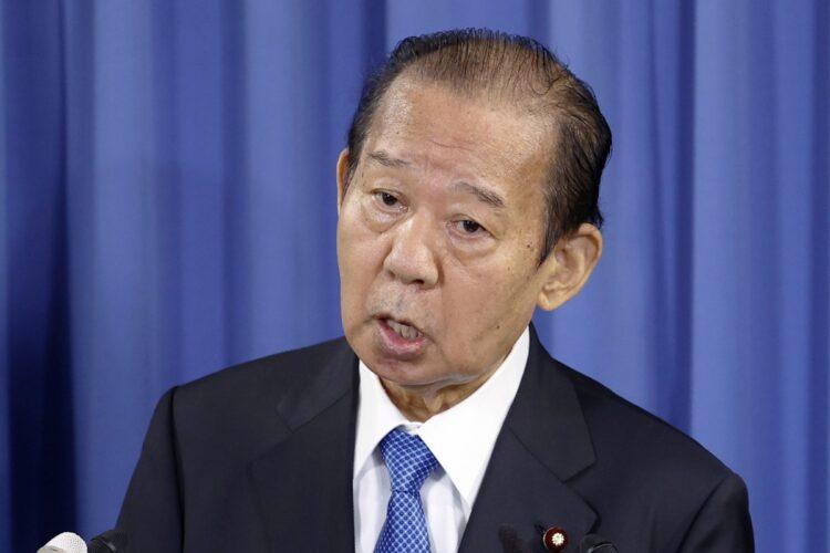 二階俊博・幹事長らの3人組はどう動く?(写真/共同通信社)