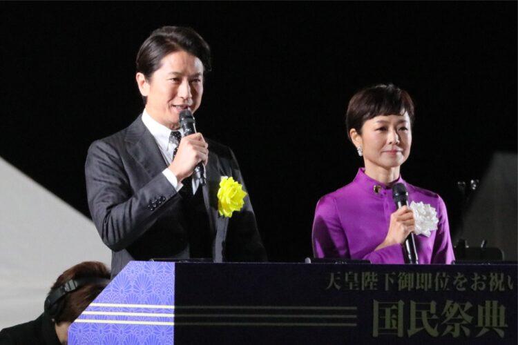 2019年には「天皇陛下御即位をお祝いする国民祭典」の祝賀式典で司会を務めた谷原