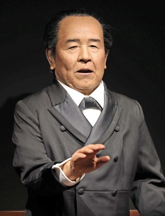 渋沢栄一のアンドロイド(時事通信フォト)