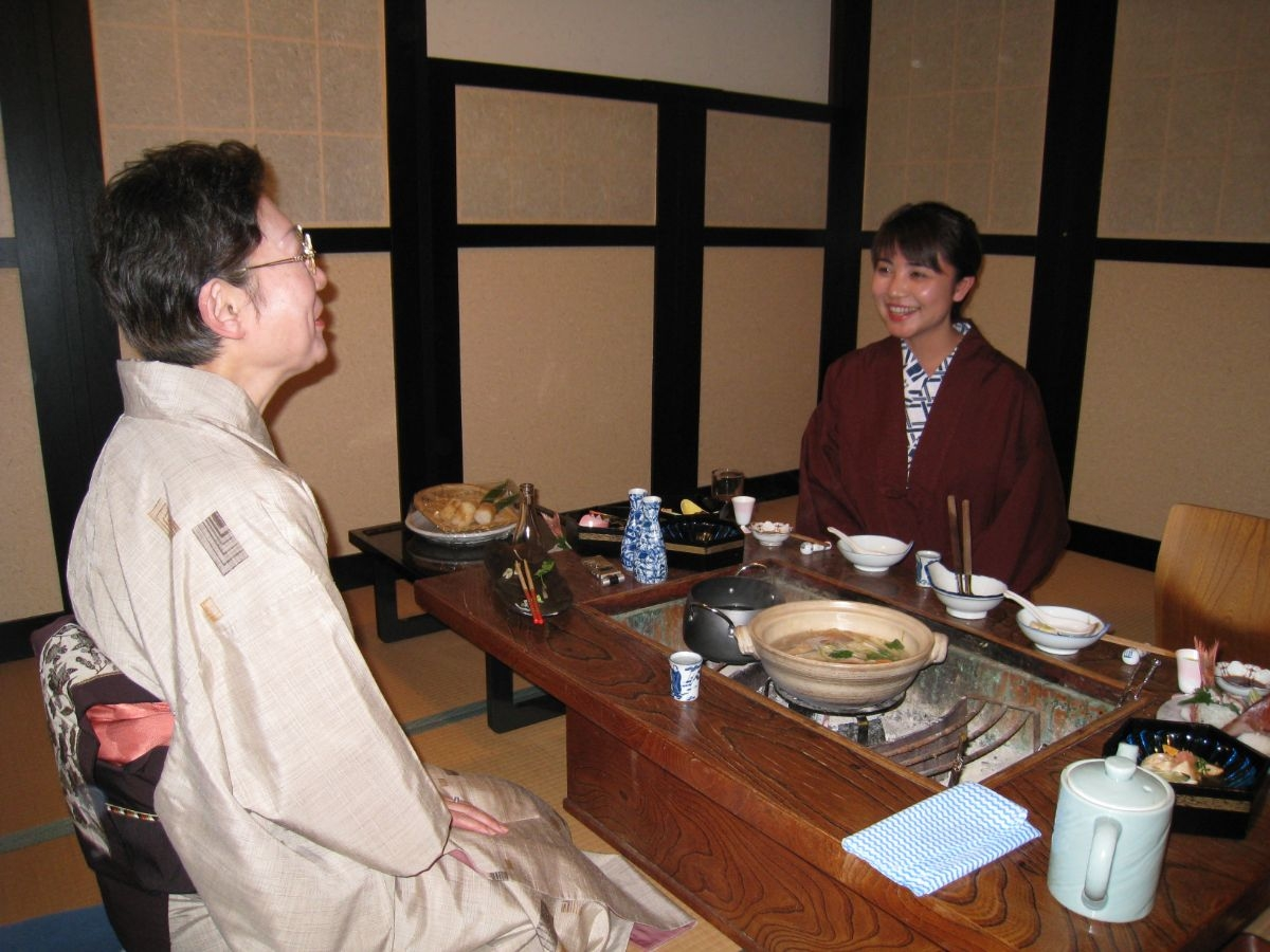 山崎さんは、旅館に宿泊し、食事をしながら、ざっくばらんに女将たちの話を聞いてきた。写真は越後湯沢温泉・高半にて