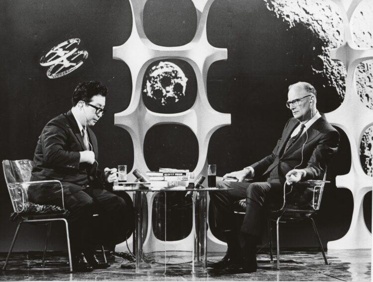 【小松氏交遊録】1970年の大阪万博に合わせ、世界各国からSF作家が来日。『2001年宇宙の旅』などで知られるアーサー・C・クラークと対談した
