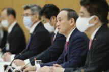 自身の「マスク着用」も怪しい菅首相は事態を正確に把握しているのか(時事)