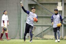 楽天投手陣の厚みが増す(左から松井裕樹選手、田中将大選手、則本昂大選手。時事通信フォト)