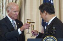 バイデン氏はオバマ政権時には親中派と見られていた(AFP=時事)
