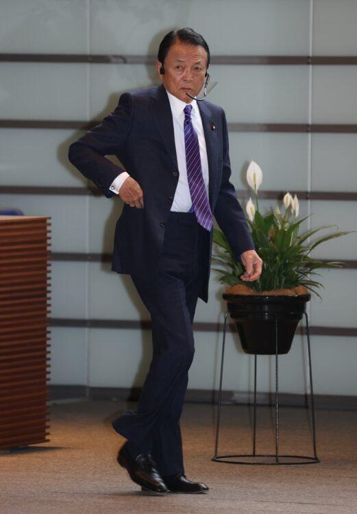 麻生太郎氏(時事通信フォト)